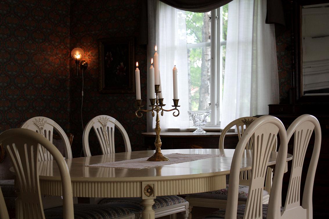 Middagsbord i det gemensamma utrymmet